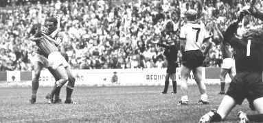 Rivera exulting after scoring the game-winning goal in the World Cup semifinal in 1970